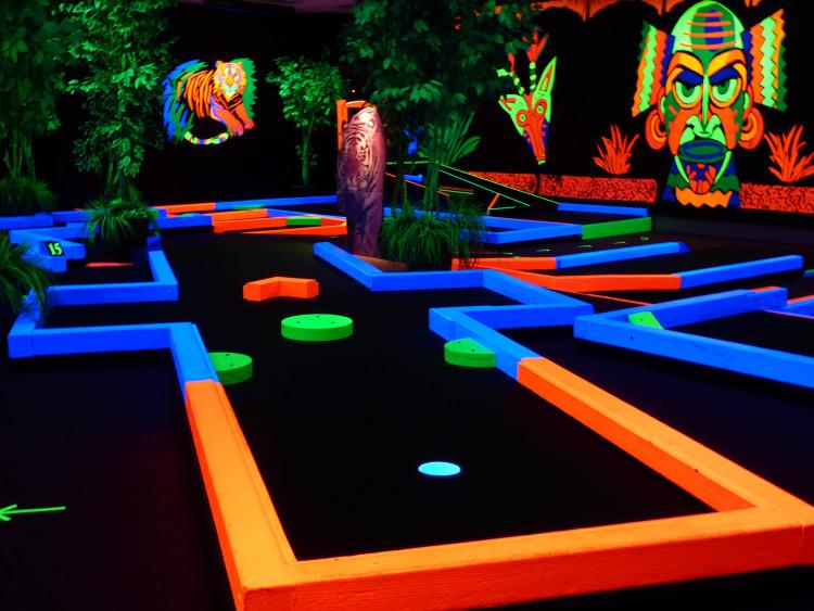 Indoor Glow In The Dark Miniature Golf | Birthday Parties | Family Entertainment 4